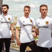 Tercera camiseta Umbro del Hull City | Imagen Web Oficial