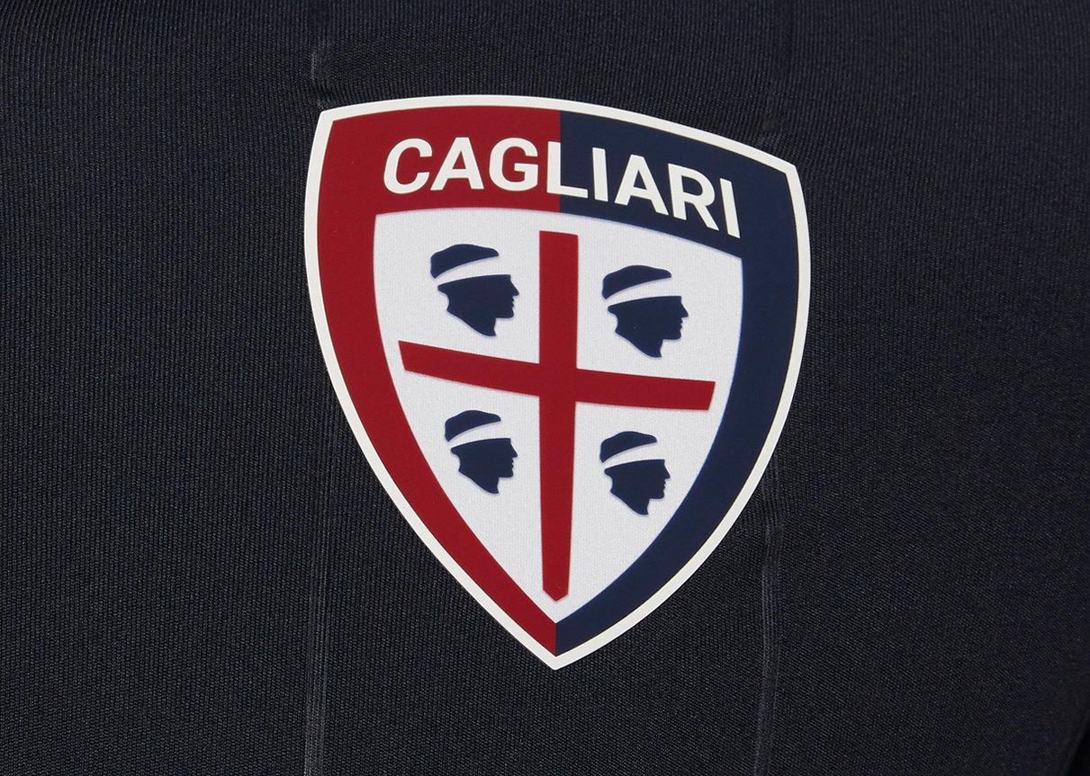 Tercera camiseta Macron del Cagliari Calcio | Imagen Web Oficial
