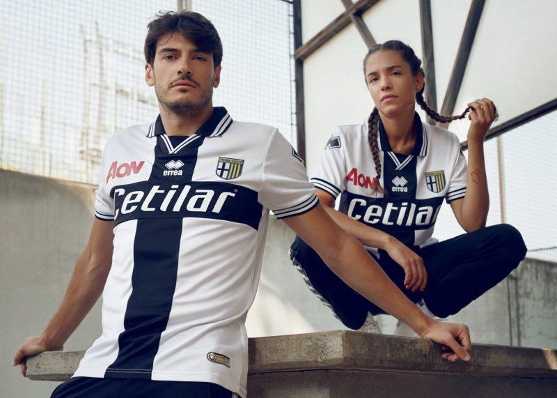 Camiseta titular Erreà del Parma Calcio | Imagen Web Oficial