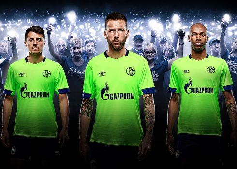 Tercera camiseta Umbro 2018/19 del Schalke 04 | Imagen Web Oficial