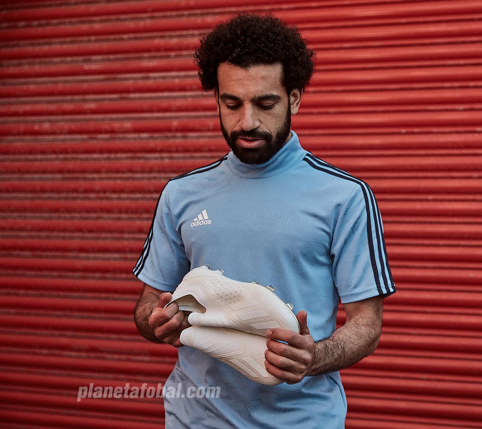 "Mohamed Salah con los nuevos Adidas X18 ""Spectral Mode"""