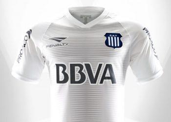 Camiseta alternativa blanca Penalty de Talleres 2018 | Imagen Twitter Oficial