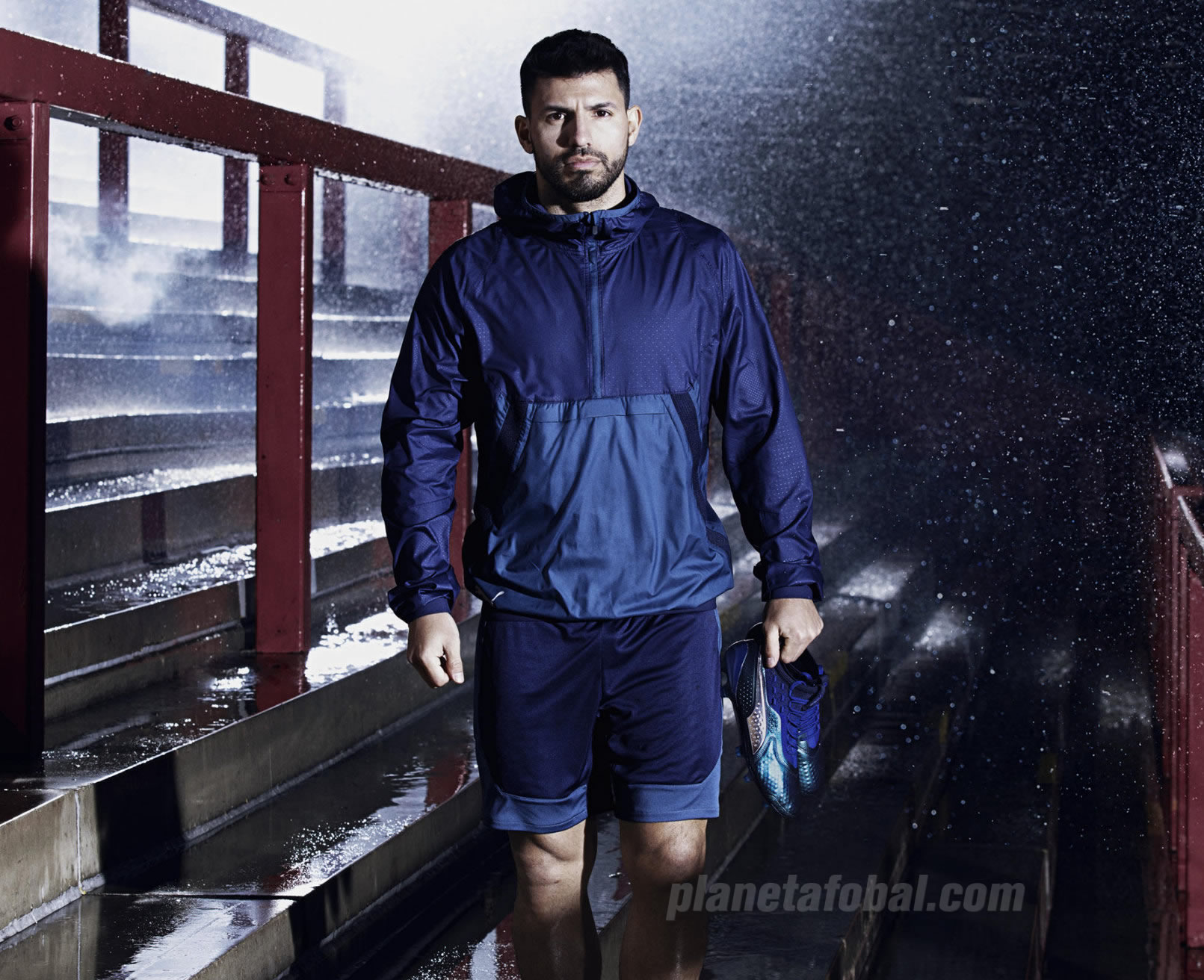 "Kun Agüero con los botines ""Stun Pack"" ONE | Imagen Puma"