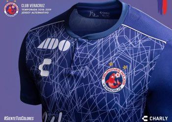 Tercera camiseta Charly de los Tiburones Rojos 2018/19 | Imagen Twitter Oficial