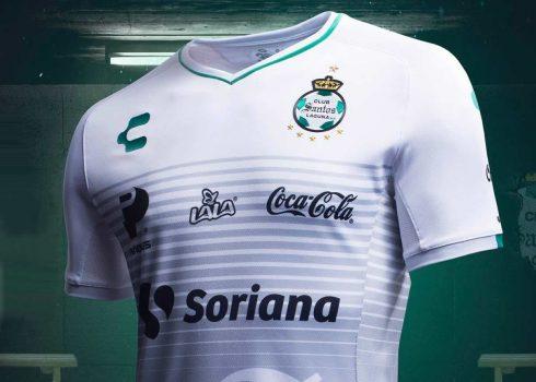 Tercera camiseta Charly del Santos Laguna 2018/19 | Imagen Web Oficial