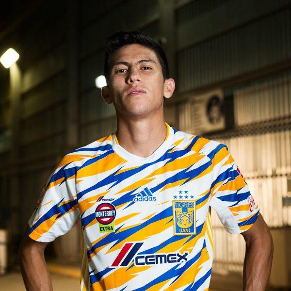Damian Torres con la tercera camiseta de los Tigres UANL 2019 | Imagen Twitter Oficial
