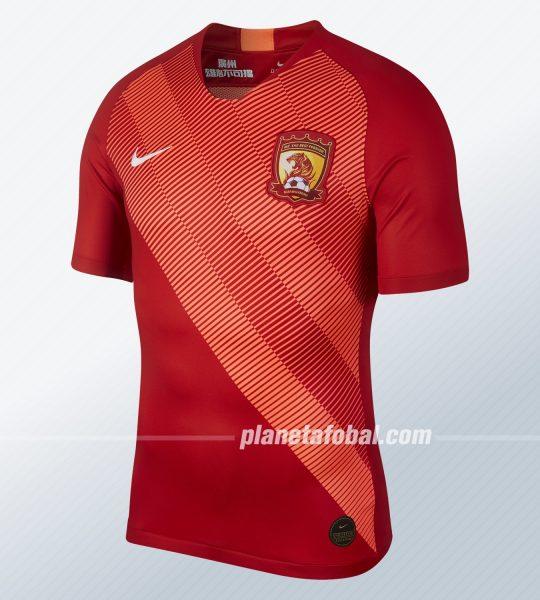 Camiseta titular del Guangzhou Evergrande 2019   Imagen Nike