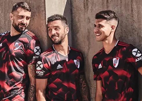 Nueva camiseta alternativa Adidas de River Plate 2019   Imagen Web Oficial