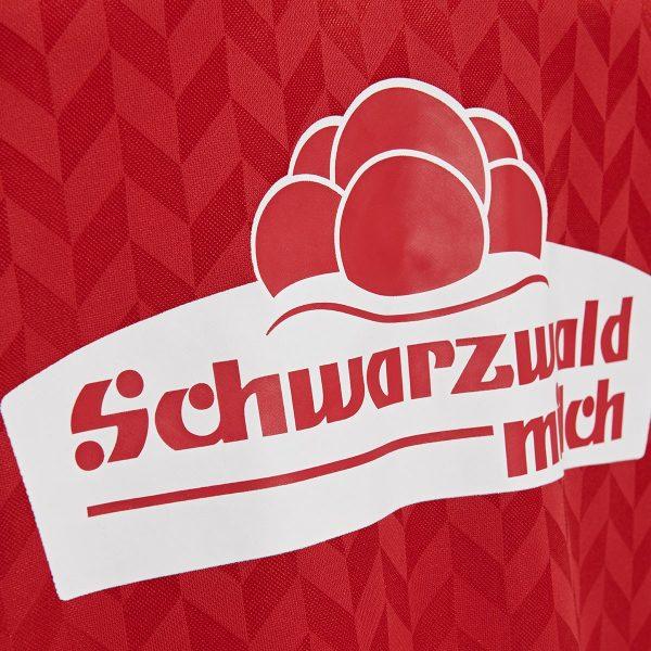 Camiseta Hummel Edición Especial del SC Freiburg 2019 | Imagen Web Oficial