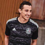 Camiseta negra de México Copa Oro 2019 | Imagen Adidas