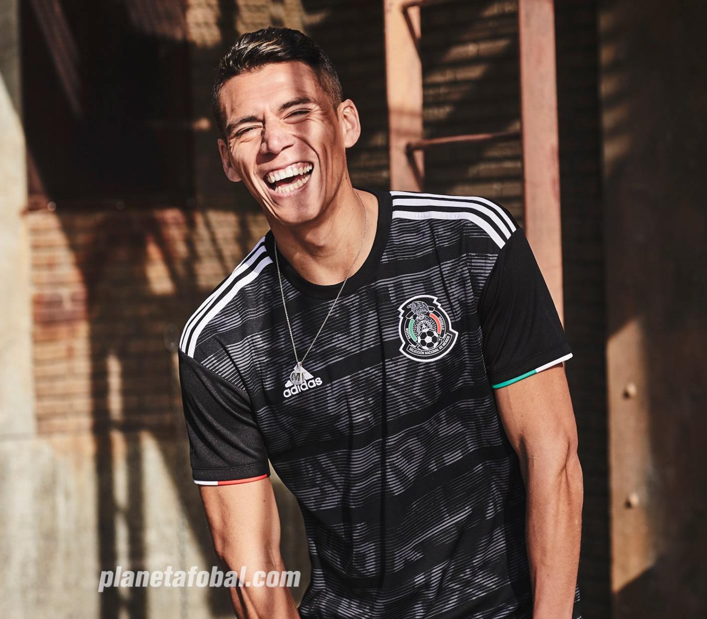 Camiseta negra de México Copa Oro 2019   Imagen Adidas