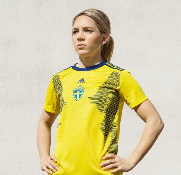 Camiseta titular Adidas de Suecia Mundial 2019 | Imagen SvFF