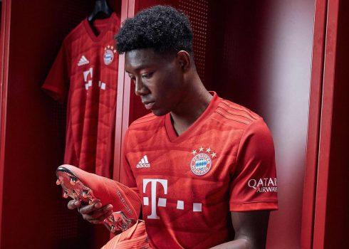 David Alaba con la nueva camiseta titular Adidas del Bayern Munich 2019/2020 | Imagen Web Oficial