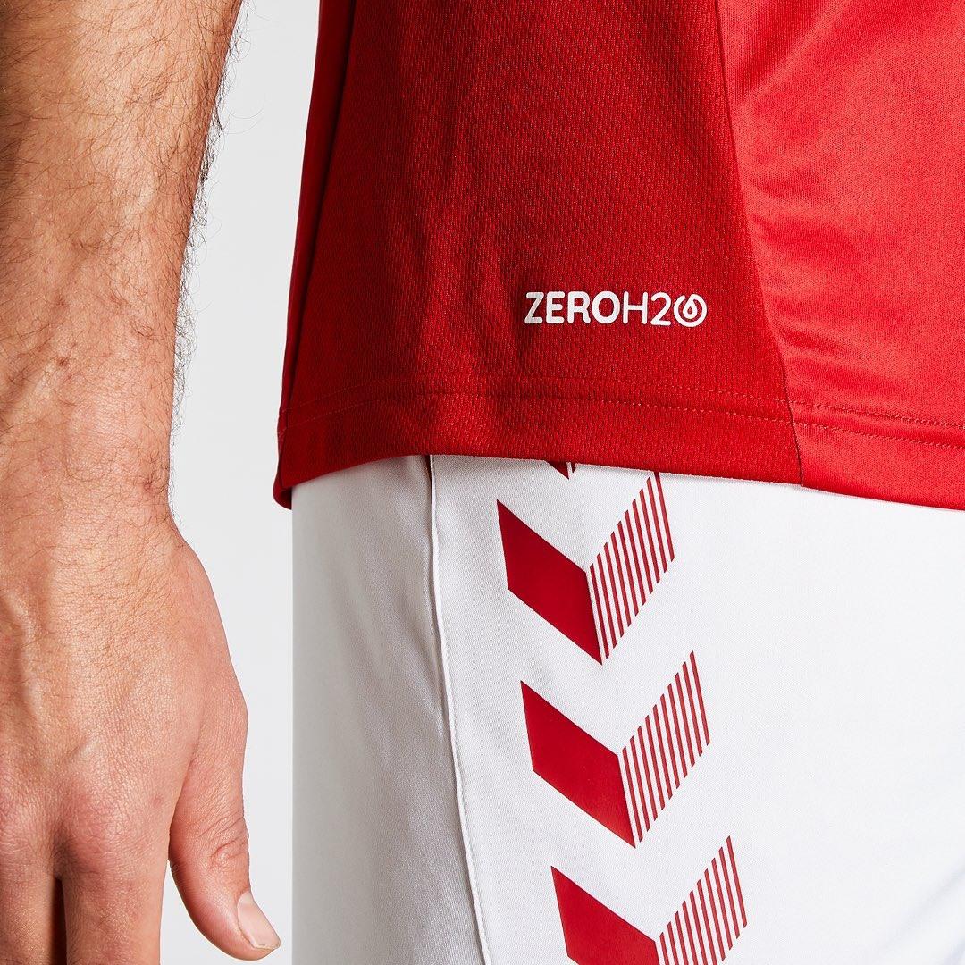 Camiseta titular Hummel del Middlesbrough FC 2019/20 | Imagen Web Oficial