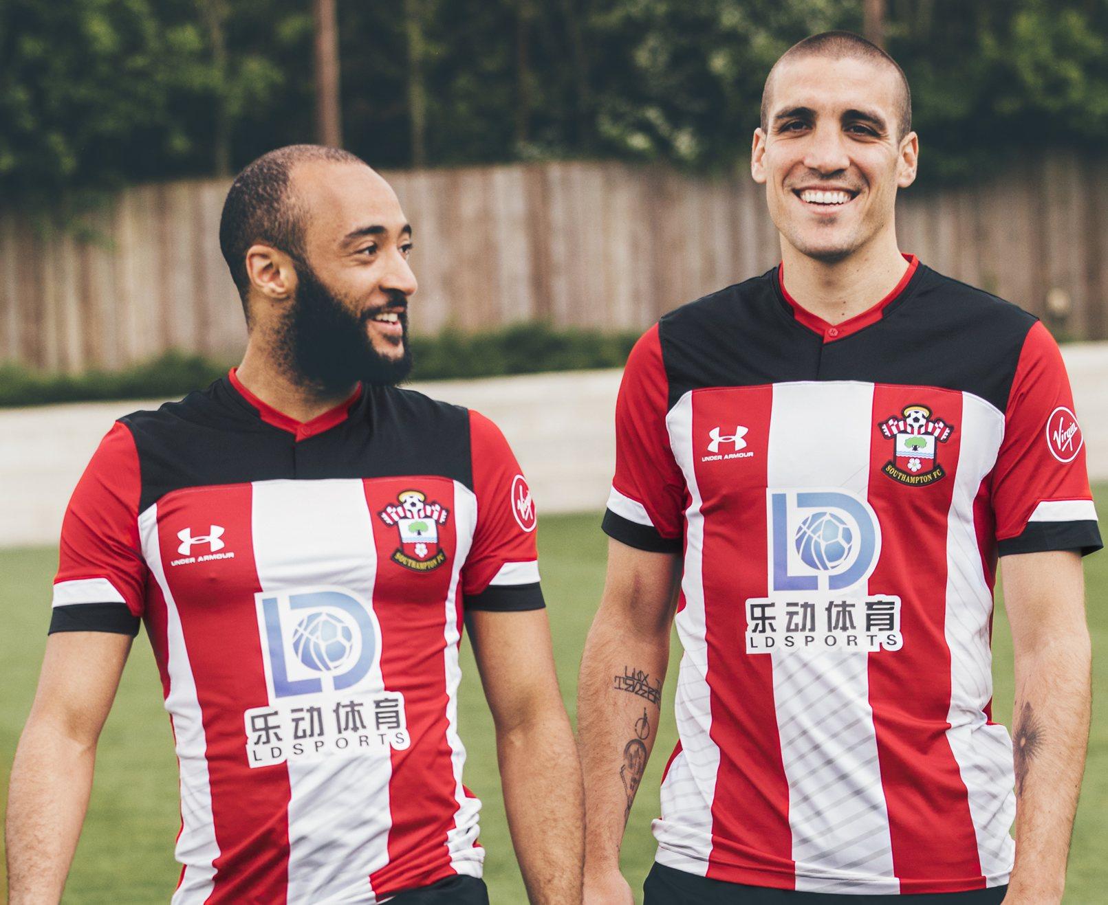 Camiseta titular Under Armour del Southampton FC 2019/20 | Imagen Web Oficial