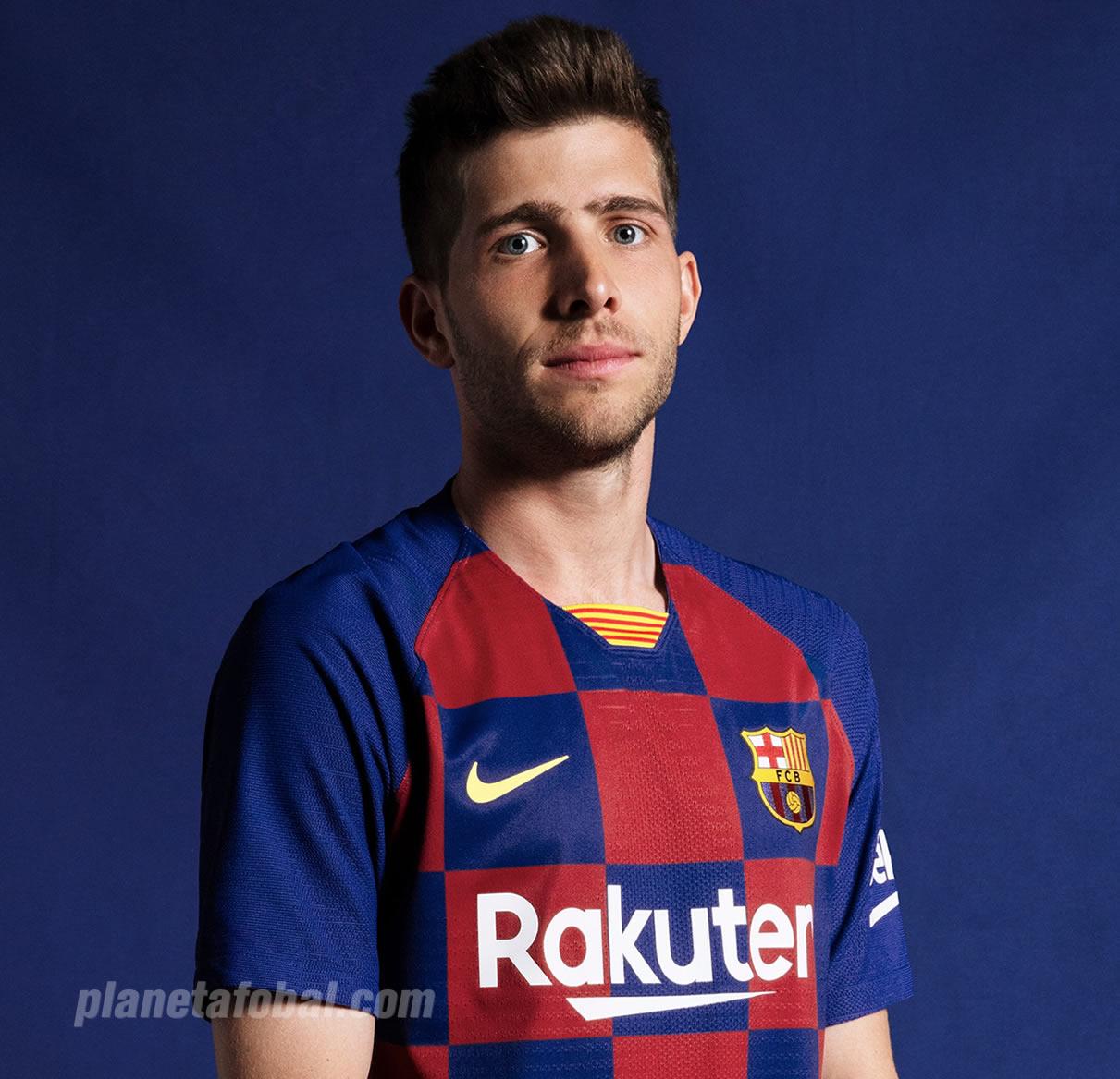 Sergi Roberto con la nueva camiseta titular 2019-2020 del Barcelona | Imagen Nike