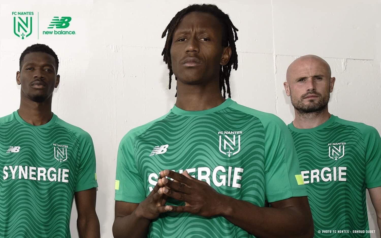 Camiseta suplente New Balance del FC Nantes 2019/20   Imagen Web Oficial