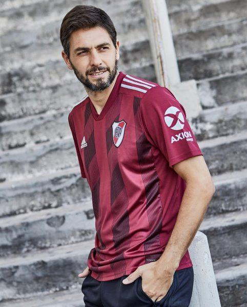 Germán Lux con la nueva camiseta granate Adidas de River | Imagen Instagram Oficial