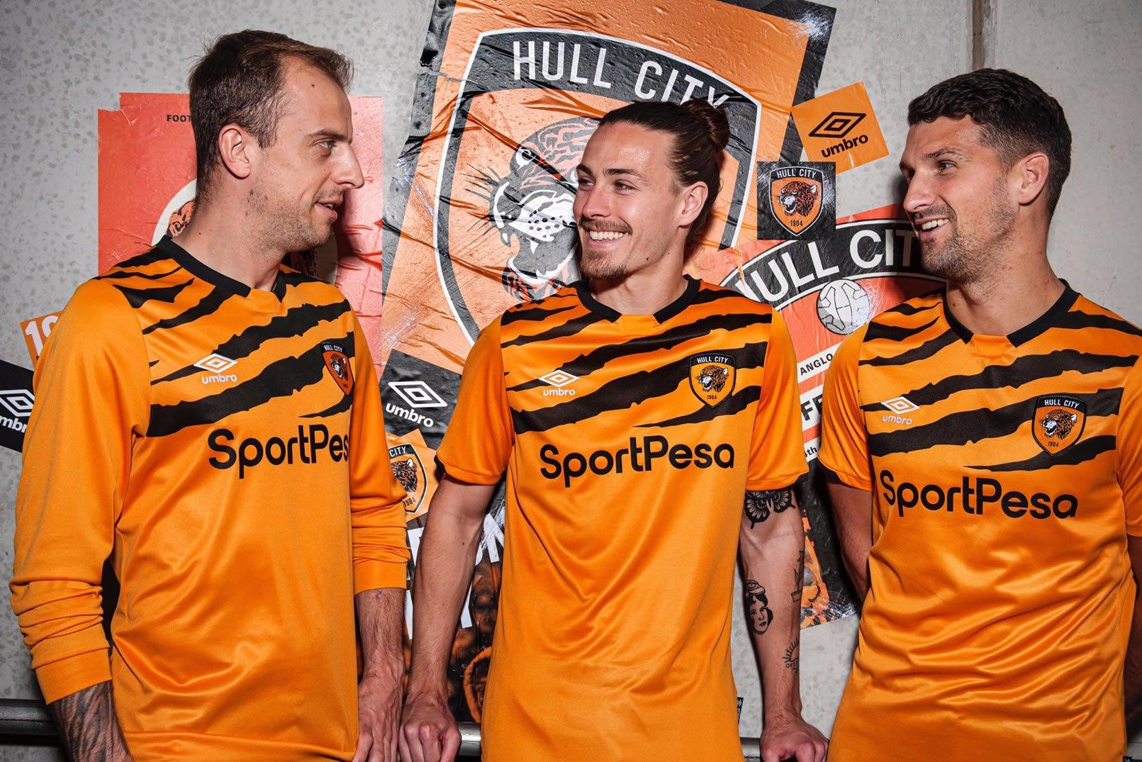 Camiseta Umbro del Hull City 2019/20 | Imagen Web Oficial