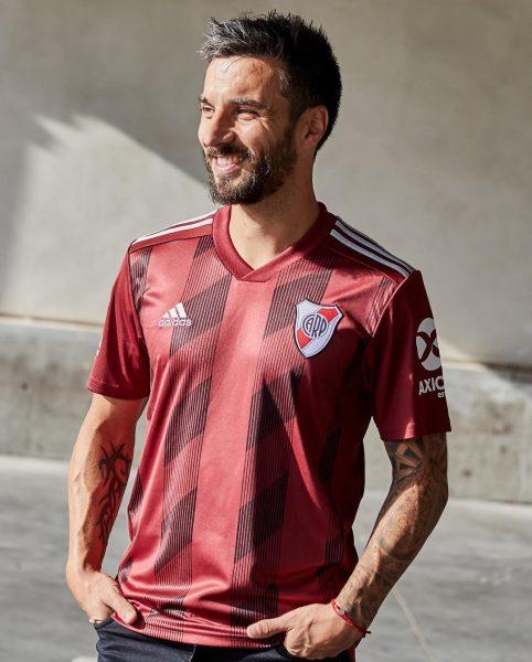 Ignacio Scocco con la nueva camiseta granate Adidas de River | Imagen Instagram Oficial