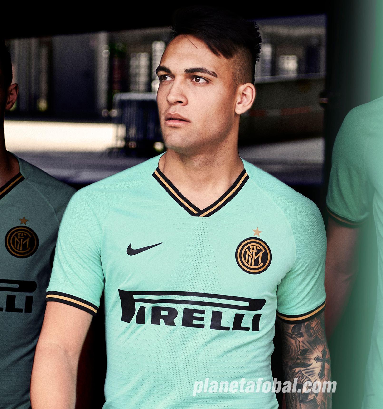 Lautaro Martinez con la nueva camiseta suplente del Inter 2019/2020 | Imagen Nike