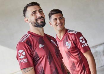 Camiseta suplente Adidas 2019/20 de River | Imagen Instagram Oficial
