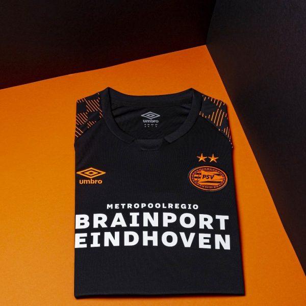 Camiseta suplente Umbro del PSV Eindhoven 2019/20 | Imagen Twitter Oficial