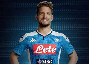 Dries Mertens con la nueva camiseta titular Kappa del Napoli 2019/2020 | Imagen Web Oficial