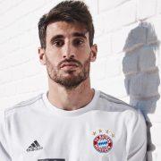 Camiseta suplente del Bayern Munich 2019/2020   Imagen Adidas