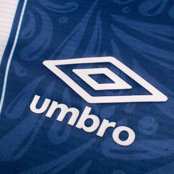 Jersey local del Club Puebla 2019/2020 | Imagen Umbro