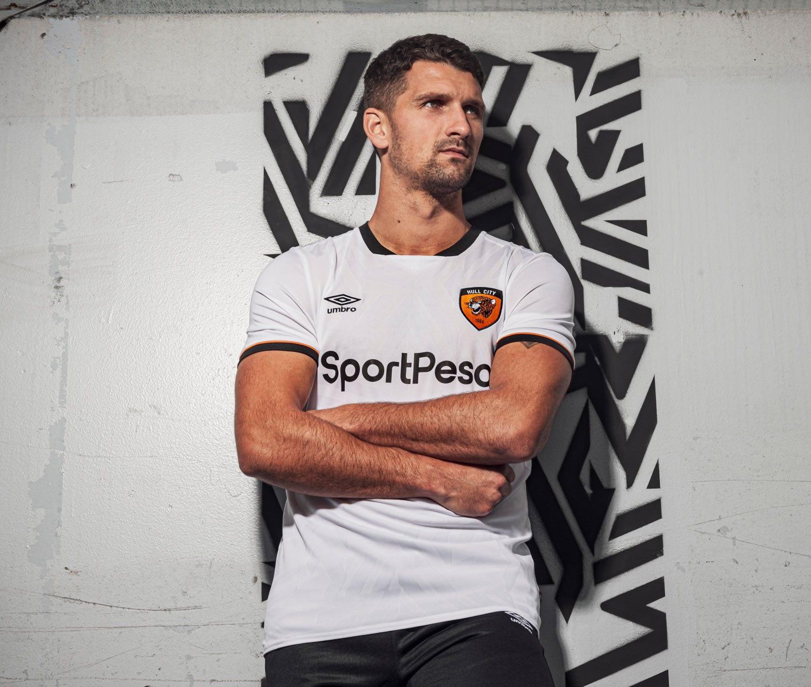 Camiseta suplente Umbro del Hull City 2019/20 | Imagen Twitter Oficial