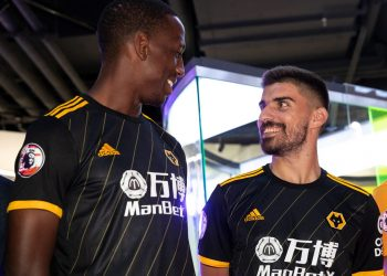Camiseta suplente Adidas del Wolverhampton 2019/20 | Imagen Twitter Oficial