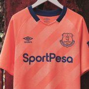 Camiseta suplente Umbro del Everton 2019/2020   Imagen Web Oficial