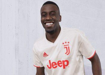 Blaise Matuidi con la nueva camiseta suplente de la Juventus 2019/2020   Imagen Adidas