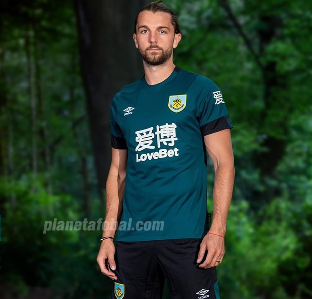 Tercera camiseta Umbro del Burnley FC 2019/20 | Imagen Twitter Oficial