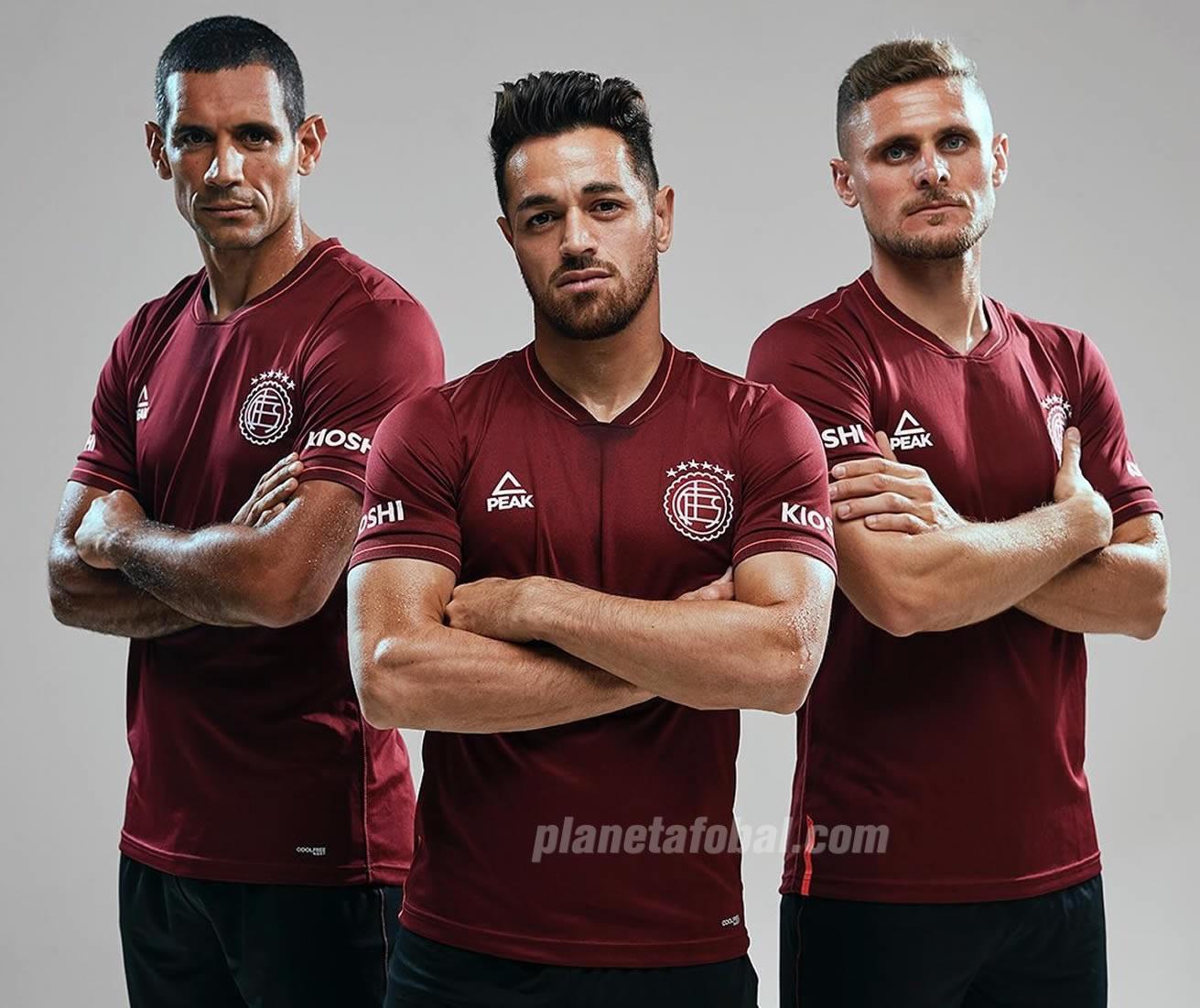 Camiseta titular Peak de Lanús 2019/2020 | Imagen Instagram Oficial