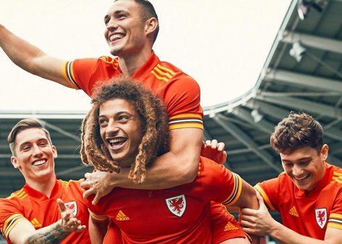 Camiseta titular Adidas de Gales 2020/21 | Imagen FAW