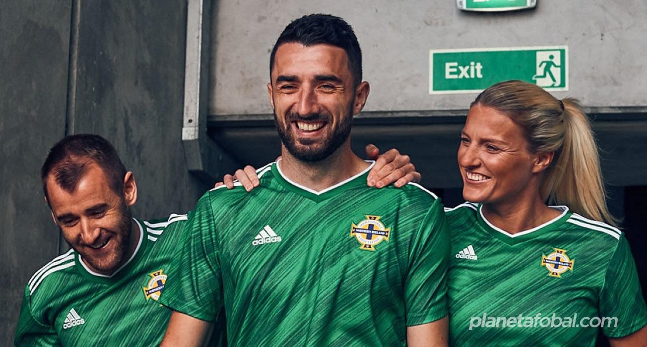 Camiseta Adidas de Irlanda del Norte 2020/21 | Imagen Irish FA