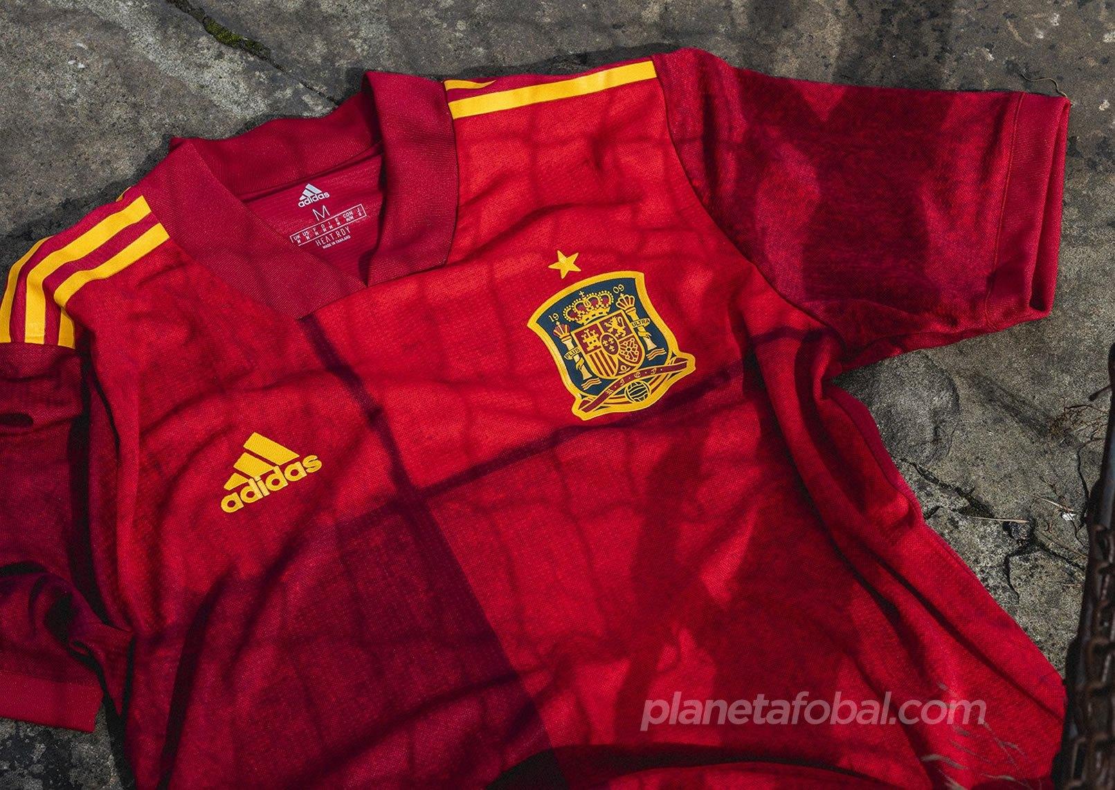 Equipación local de España Euro 2020 | Imagen Adidas