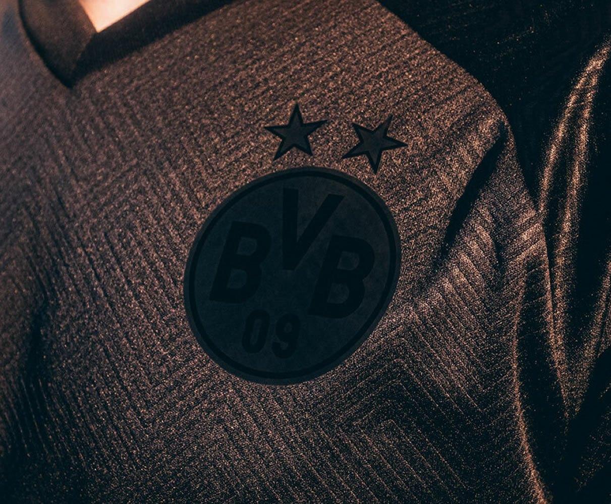 Camiseta Puma del Borussia Dortmund 110 Aniversario | Imagen Web Oficial
