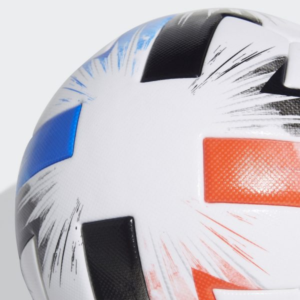 El modelo Tsubasa se inspira en la famosa serie de animé japonés Súper Campeones | Imagen Adidas
