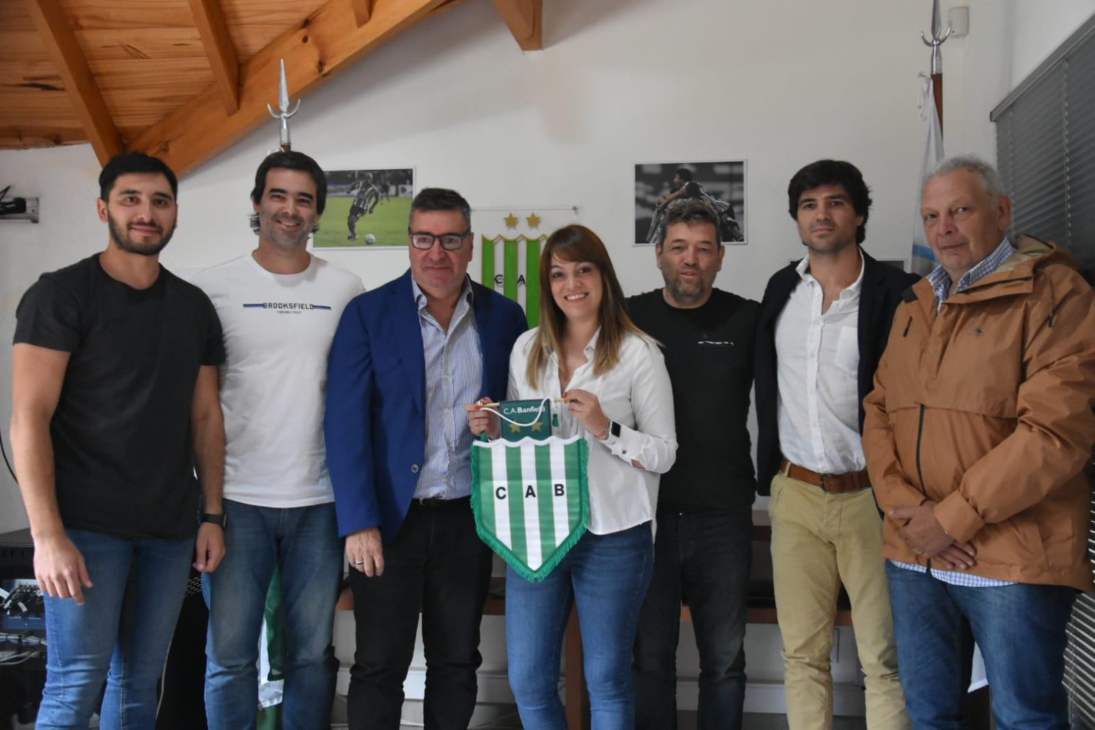 Banfield anuncia contrato con Givova | Imagen Twitter Oficial