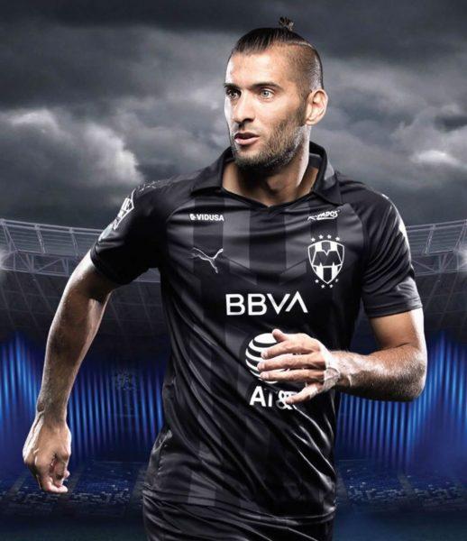 Nicolás Sanchez con la tercera camiseta Puma del Monterrey | Imagen Instagram Oficial