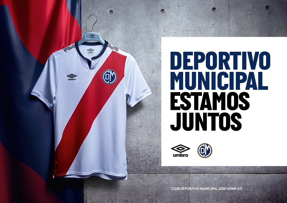 Porte-t-shirt 2020 du Deportivo Municipal 2020 | Image Umbro