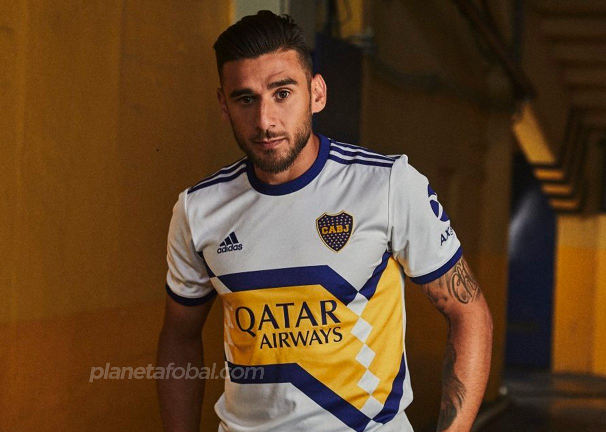 Eduardo Salvio con la nueva camiseta suplente de Boca 2020 | Imagen Adidas