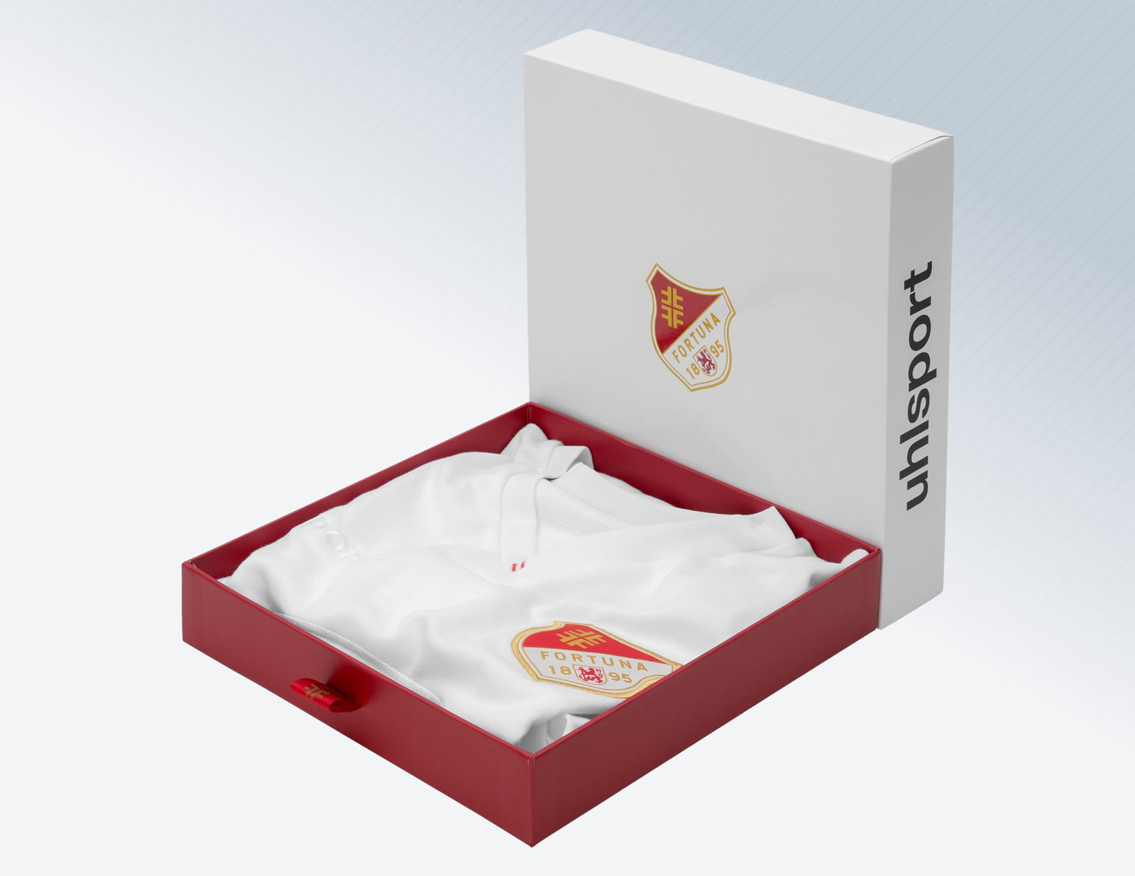 Packaging de la camiseta conmemorativa 125 años del Fortuna Düsseldorf | Imagen Web Oficial