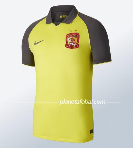 Camiseta suplente del Guangzhou Evergrande 2020   Imagen Nike