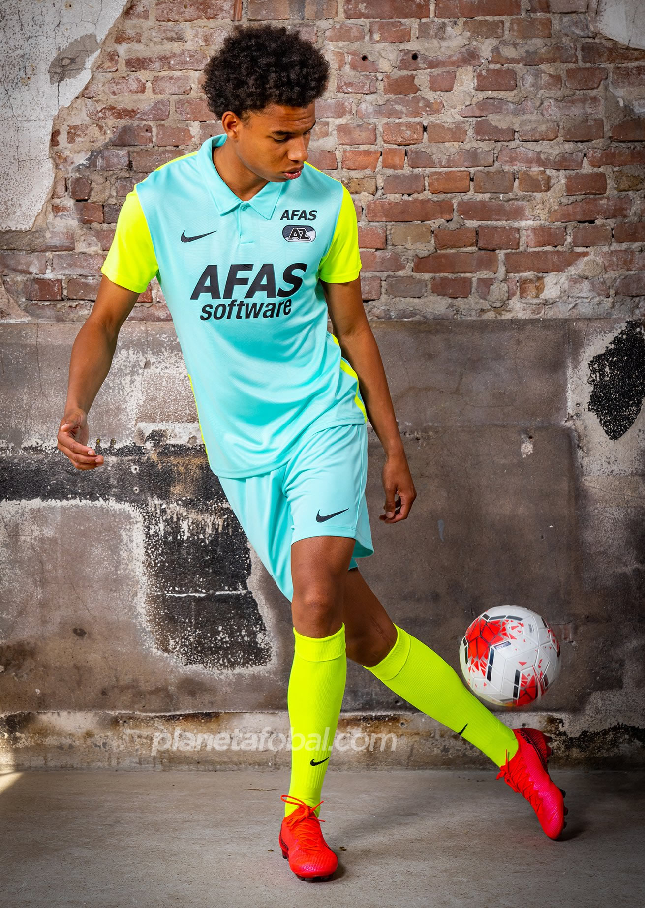 Tercera camiseta Nike del AZ Alkmaar 2020/21   Imagen Web Oficial