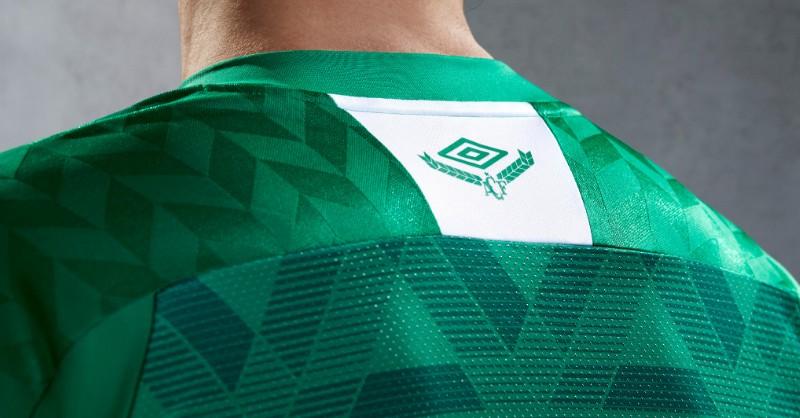 Camiseta titular del Chapecoense 2020/21   Imagen Umbro