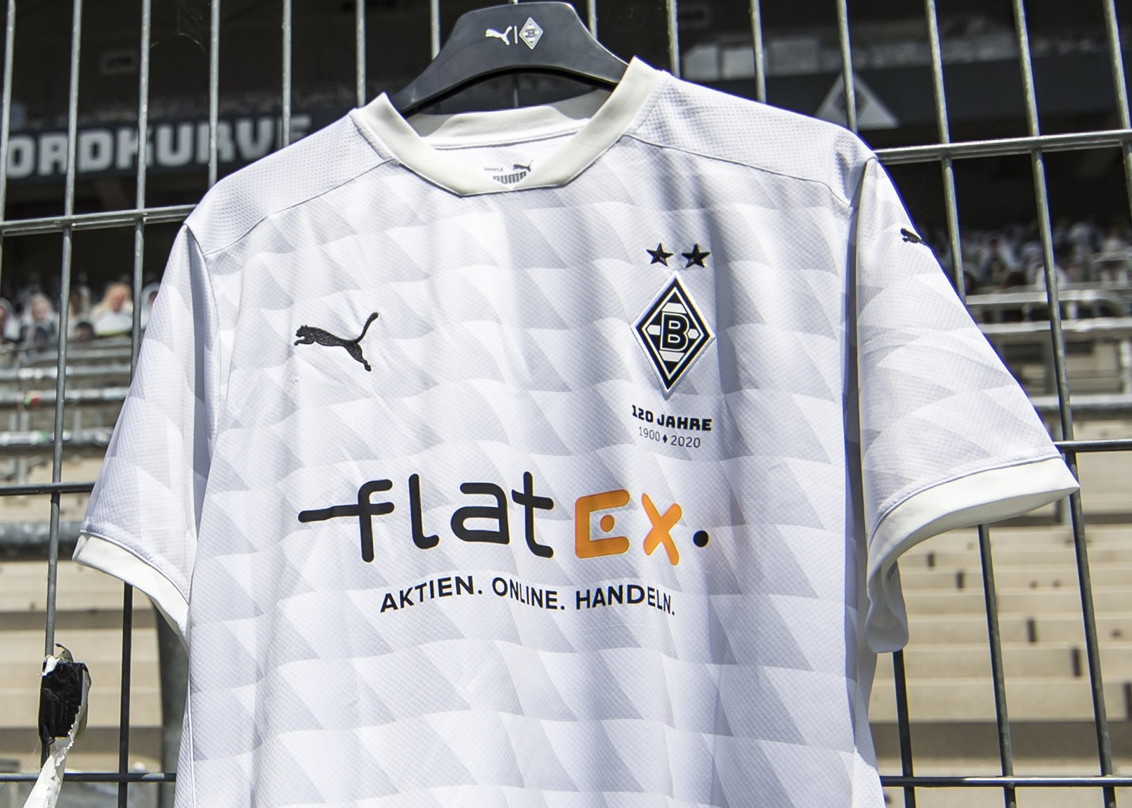 Camiseta Puma del Borussia Mönchengladbach 2020/21   Imagen Twitter Oficial